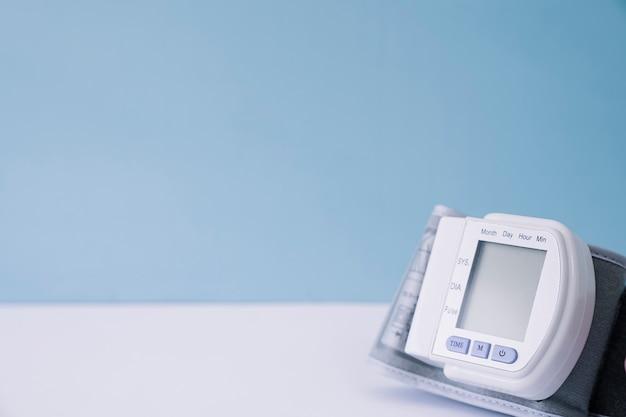 Dispositif antiseptique sanguin