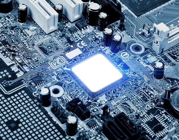 Dispositif de circuit