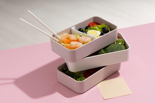Disposition à angle élevé de la boîte à bento japonaise