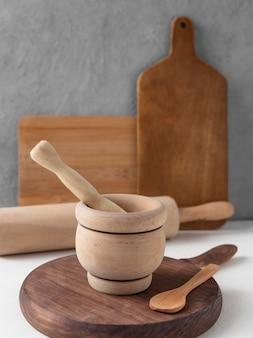 Disposition de différents objets de cuisine