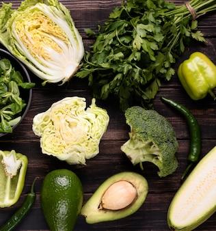 Disposition des légumes verts vue de dessus