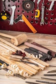 Disposition des outils des métiers d'artisanat