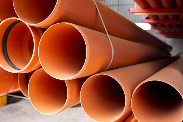 Disposition de tuyaux en pvc de construction minimaliste
