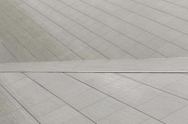 Dissymétrie en architecture au sol