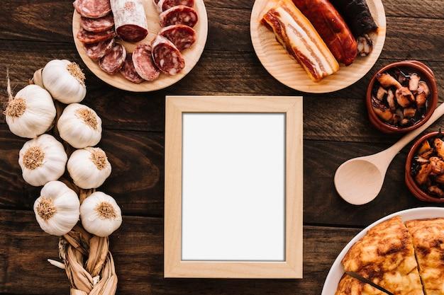 Divers aliments autour du cadre