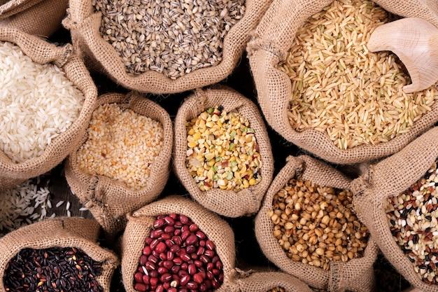 Divers grains et céréales sur le marché