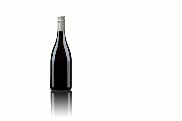 Divers isolés de bouteille de vin sur fond blanc, adaptés à votre élément de conception. rendu 3d.