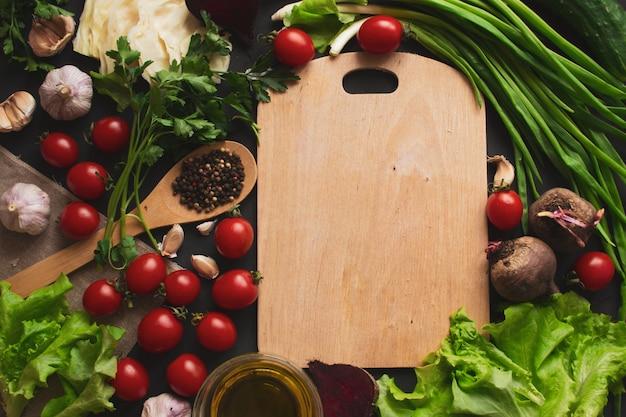 Divers légumes sur la table. la nourriture saine