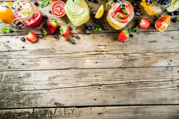 Divers limonade aux fruits et baies