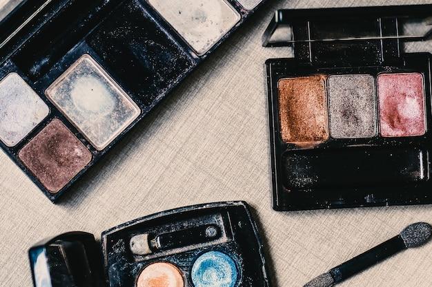 Divers maquillage ou poudre cosmétique