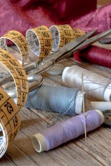 Divers outils de couture