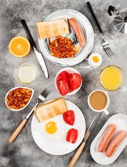 Divers petits déjeuners sains