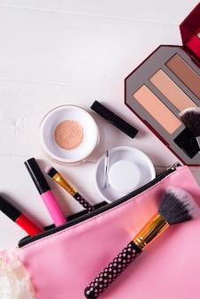Divers produits de maquillage