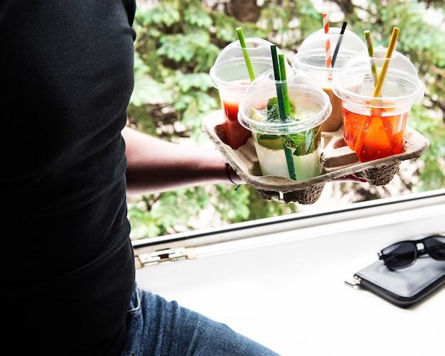 Diverses boissons fraîches et cocktails d'été