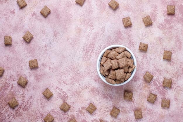 Diverses céréales de petit déjeuner, vue de dessus