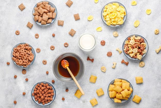 Diverses céréales pour le petit déjeuner