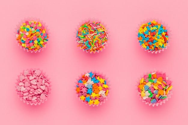 Diverses pépites de sucre, vue de dessus