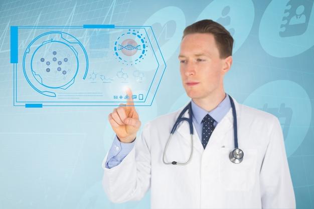 Docteur en appuyant sur une application virtuelle