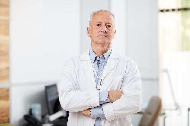 Docteur mature en clinique