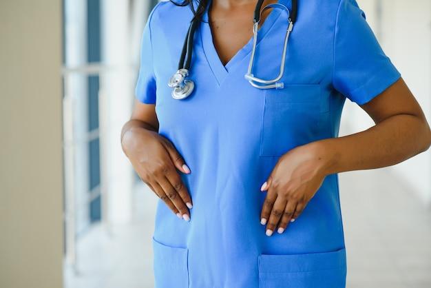 Docteur en médecine se bouchent. concept de soins de santé et médical.