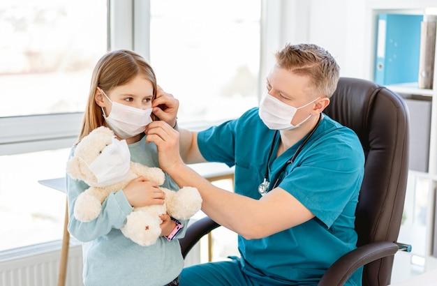 Docteur, mettre, masque, girl