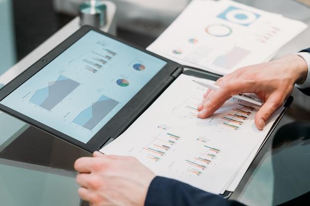 Documentation commerciale. articles avec mise en page graphique