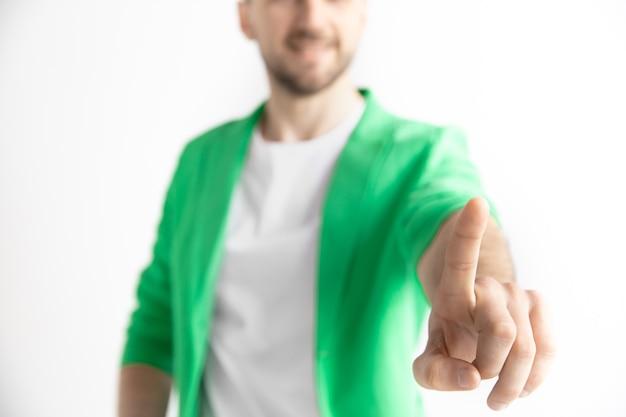 Doigt d'homme d'affaires touchant la barre de recherche vide, concept de fond de commerce moderne - peut être utilisé pour insérer du texte ou des images.