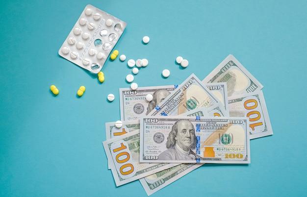 Dollars américains et pilules
