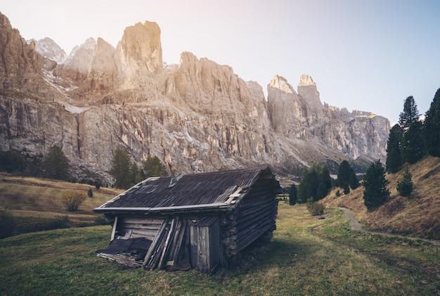 Dolomites, italie paysage à passo gardena.