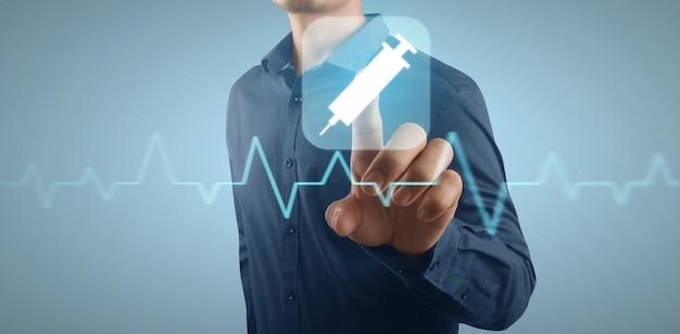 Double exposition à la main du concept de soins de santé et de médecine. interface écran virtuel