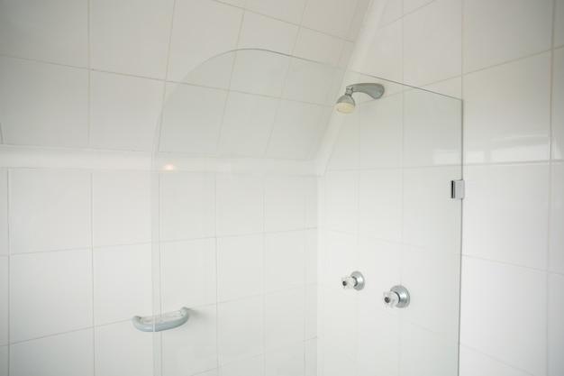 Douche avec diviseur de verre