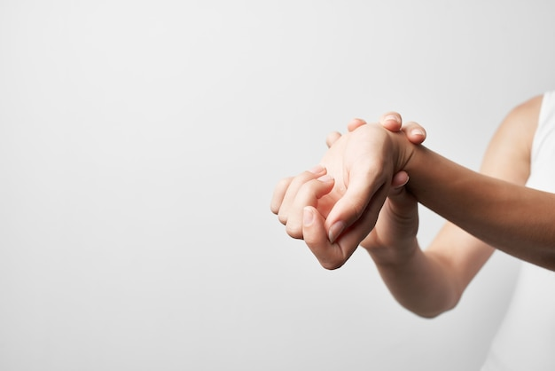 Douleurs articulaires rhumatismes arthrite problèmes de santé