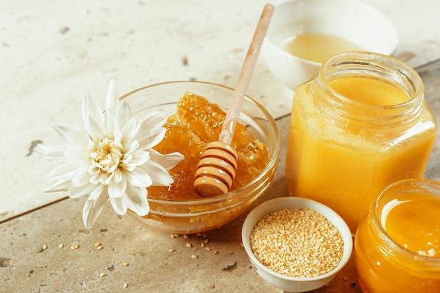 Doux miel sur la table