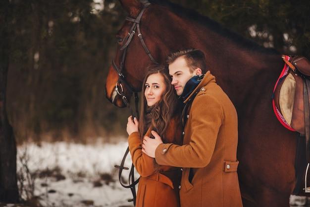 Doux portrait d'un couple romantique