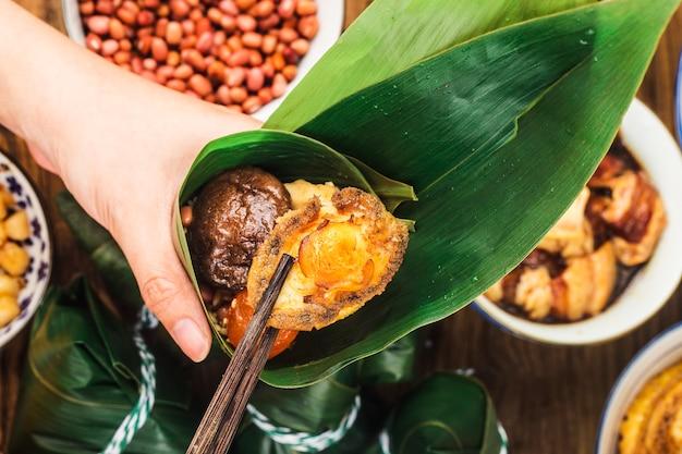 Dragon boat festival zongzi de viande de boulette de riz chinois