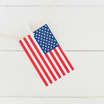 Drapeau américain sur corde
