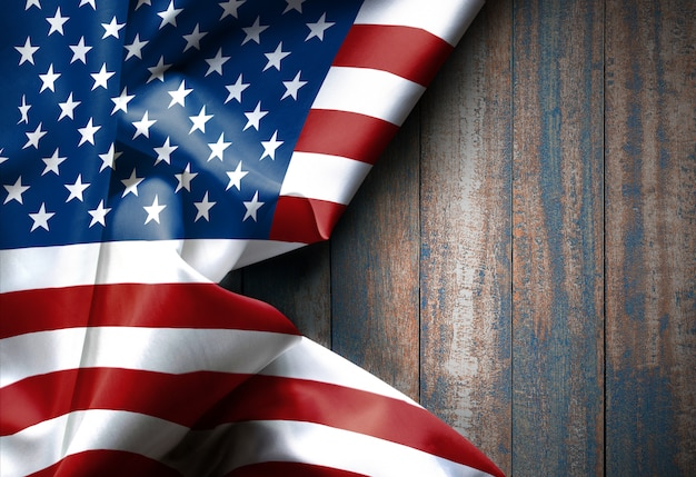 Drapeau américain états-unis d'amérique sur la texture du bois