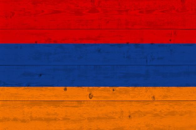 Drapeau de l'arménie peint sur une vieille planche de bois
