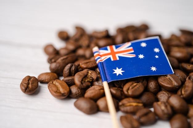 Drapeau de l'australie sur les grains de café.