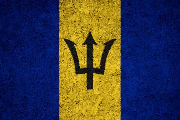Drapeau de la barbade sur le mur de béton grunge