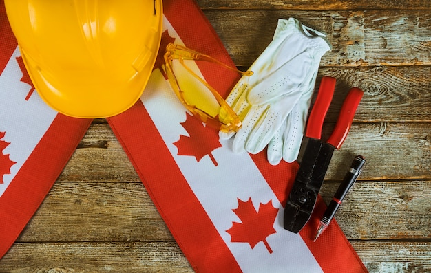 Drapeau canadien concept du travail et de l'emploi vue du dessus de la fête du travail