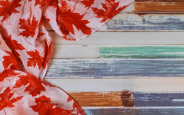 Drapeau canadien avec mot août long week-end de vacances civiques