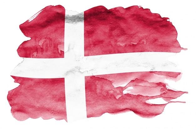 Le drapeau du danemark est représenté dans un style aquarelle liquide isolé sur blanc