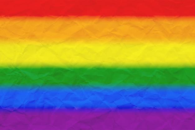 Drapeau de fierté lgbt ou drapeau de fierté arc-en-ciel sur papier froissé