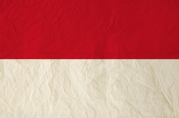 Drapeau de l'indonésie avec du vieux papier vintage
