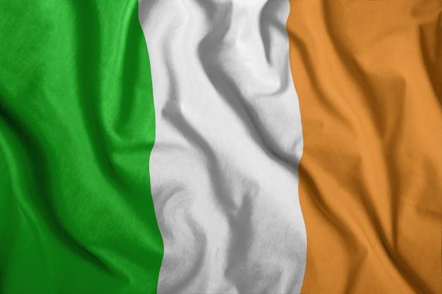 Le drapeau irlandais