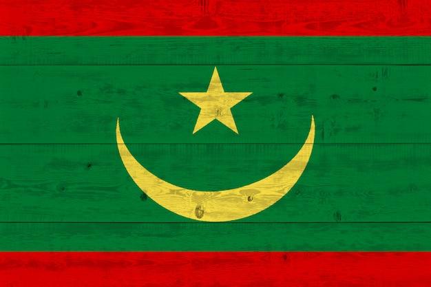 Drapeau mauritanien peint sur une vieille planche de bois