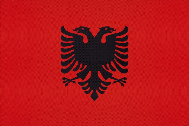Drapeau national albanais textile