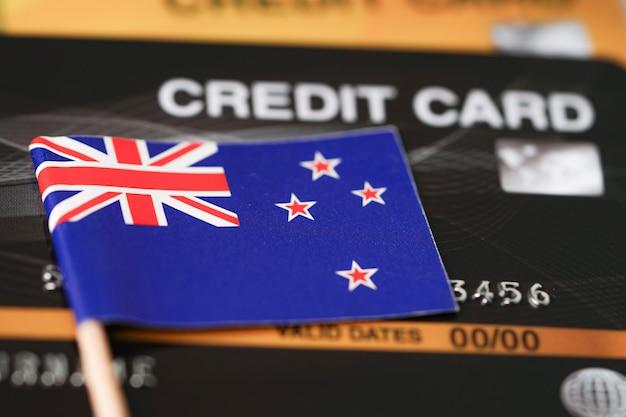 Drapeau de la nouvelle-zélande sur carte de crédit.