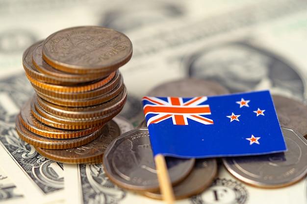 Drapeau de la nouvelle-zélande sur les pièces et billets